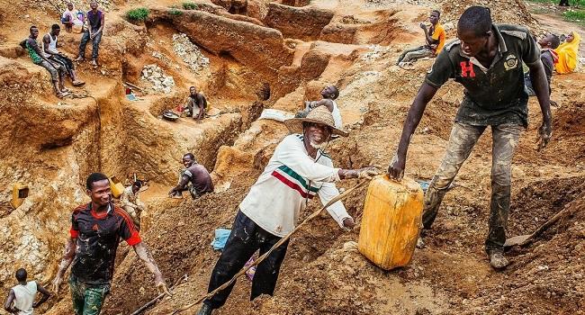 Zimbabwe Gold Mine Shaft Collapse Leaves Dozens Trapped