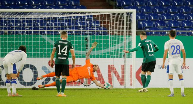 Schalke Beat Lowly Schweinfurt To Win First Game Since February