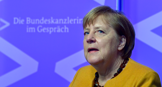 "German Chancellor Angela Merkel takes part in a ""Citizen Dialogue"" (Buergerdialog) held digitally as part of a series called ""The Chancellor in conversation"" on November 12, 2020 at the Chancellery in Berlin. John MACDOUGALL / AFP / POOL"