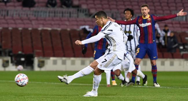 Ronaldo Scores Twice As Juventus Beat Messi's Barcelona