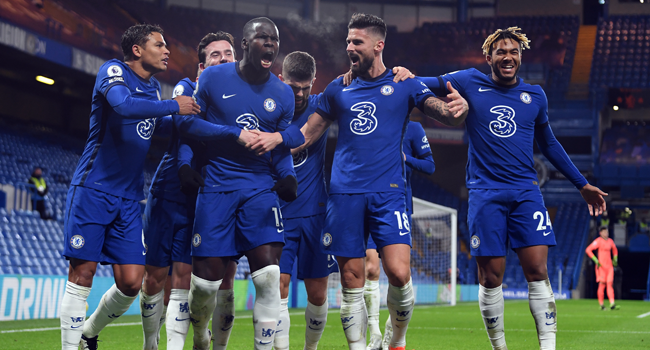 Chelsea's French defender Kurt Zouma (C) celebrates after scoring the second goal during the English Premier League football match between Chelsea and Leeds United at Stamford Bridge in London on December 5, 2020. Mike Hewitt / POOL / AFP