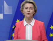 European Commission President Ursula von der Leyen gives a press statement following a phone call meeting with Britain's Prime Minister, at the European Commission in Brussels on December 13, 2020. Olivier HOSLET / POOL / AFP