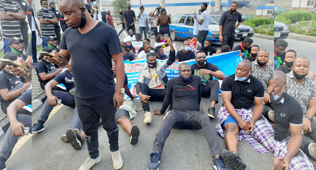 Pirates Attacks: Bonny Island Residents Storm Rivers Govt House, Assembly In Protest