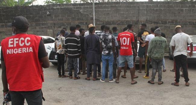 EFCC Arrests 21 For Alleged Internet Fraud In Lagos