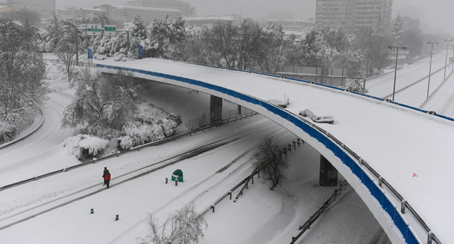 Heavy Snowstorms Shut Down Much Of Spain