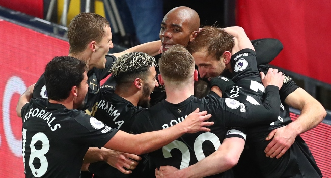 West Ham Into Top Four,  Leeds Compound Newcastle's Woes