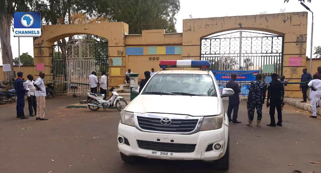 Parliamentary Workers Shut Down Bauchi, Gombe State Assembly