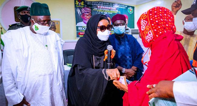 FG Distributes Cash To Poor Victims Of COVID-19, Boko Haram Insurgency In Yobe