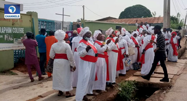 Kwara Hijab Controversy: Teachers Locked Out, Christians Sing At School Entrance