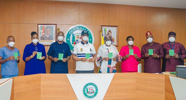 Ogun State Governor Dapo Abiodun has taken his first dose of AstraZeneca COVID-19 vaccine