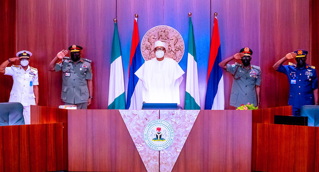 You Have Few Weeks To Secure The Country, Buhari Tells New Service Chiefs