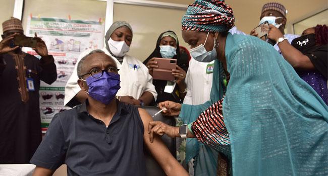 El-Rufai, Deputy, Others Receive COVID-19 Vaccine