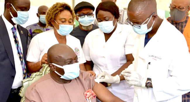 Ikpeazu Receives COVID -19 Vaccine Jab, Vaccination Begins In Abia