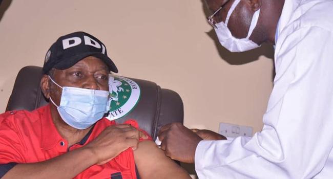 Taraba Governor Receives COVID-19 Vaccine