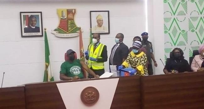 Makinde, Cabinet Members Receive COVID-19 Vaccine