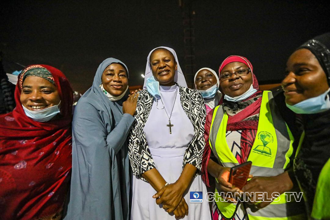 Cardinal Onaiyekan donates Iftar meals to Muslims as Christians and Muslims break fast together on April 22, 2020 in Abuja. Sodiq Adelakun/Channels Television