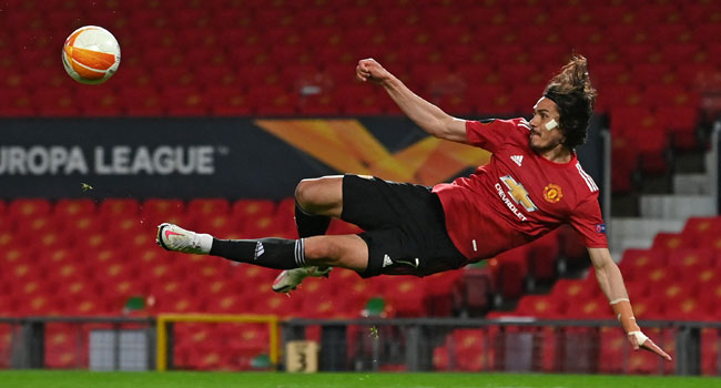 Bruno Fernandes and Edinson Cavani each scored twice as Manchester United