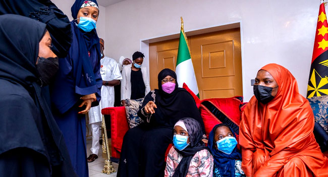 PHOTOS: Aisha Buhari Visits Attahiru's Widow, Family