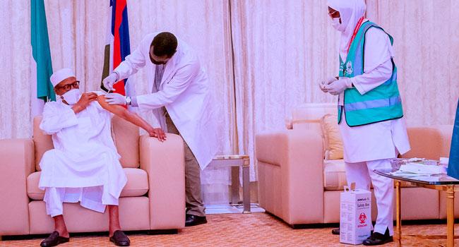 Buhari Takes Second Dose Of COVID-19 Vaccine