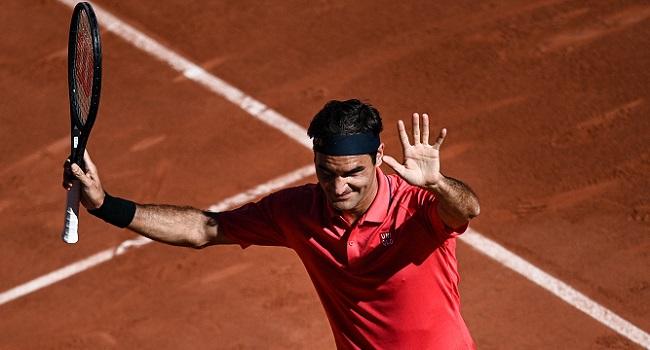 Federer Makes Winning French Open Return As Swiatek, Medvedev Progress