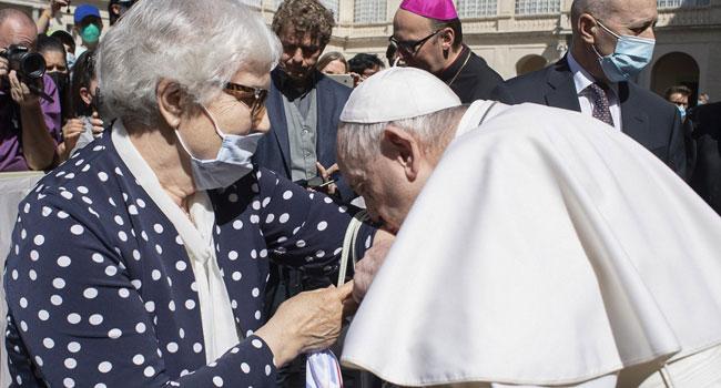 Pope Kisses Auschwitz Tattoo Of Holocaust Survivor