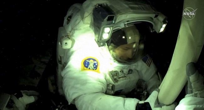 US, French Astronauts Make ISS Spacewalk