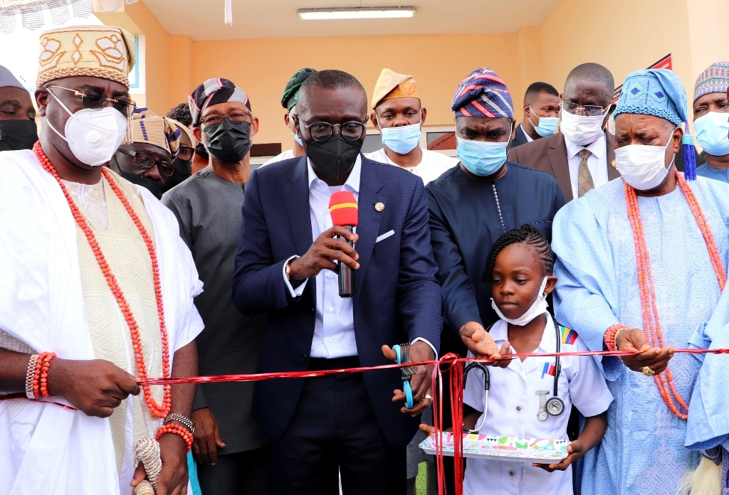 Jubilation In Epe As Sanwo-Olu Delivers Another 110-Bed Maternity Hospital  – Channels Television