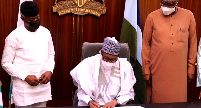 Buhari Signs N982.72bn Supplementary Budget For Security, COVID-19