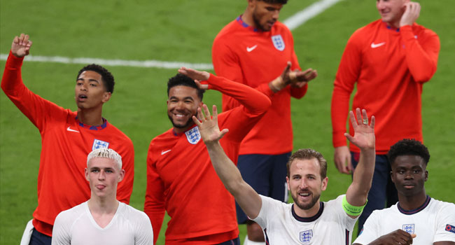 England Have Never Had It So Good As 'Sweet Caroline' Sweeps Nation