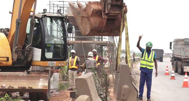 FG Shuts Section Of Lagos-Sagamu Expressway