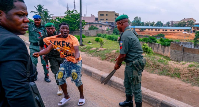 Sanwo-Olu's Convoy Nabs Traffic Robbers In Operation
