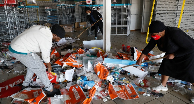 Shaken South Africans clean up after deadly unrest