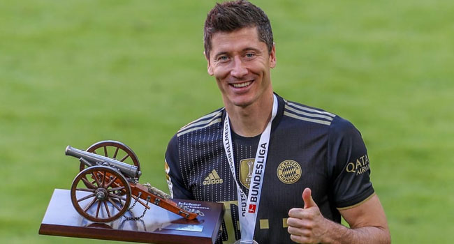 Lewandowski Retains German Player Of The Year Award