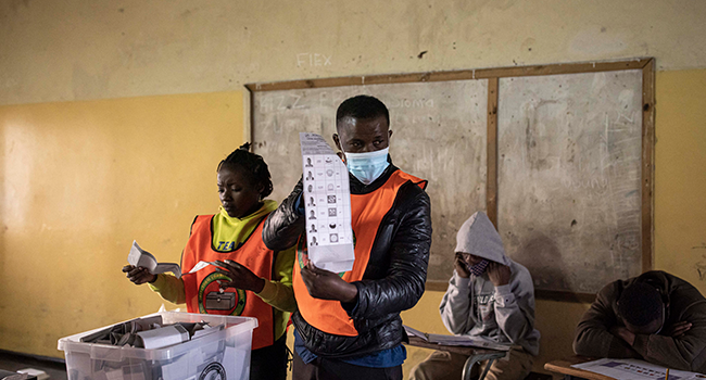 Zambia Opposition Leads Early Vote Count, Sitting President Cries Foul