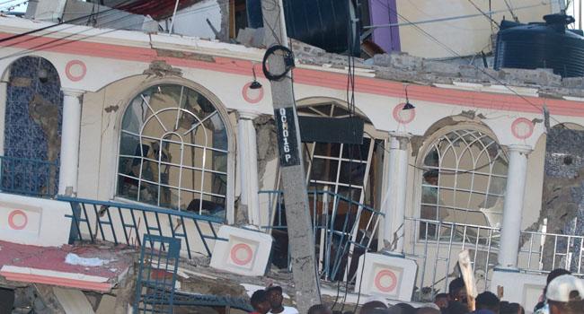 Haiti Quake Kills At Least 304, Searches For Survivors Begin