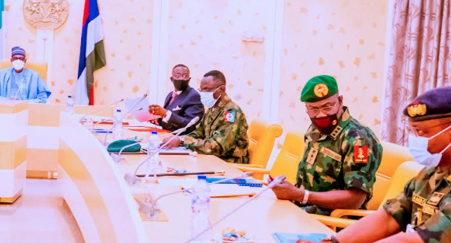 National Security: Buhari Meets With Security Chiefs