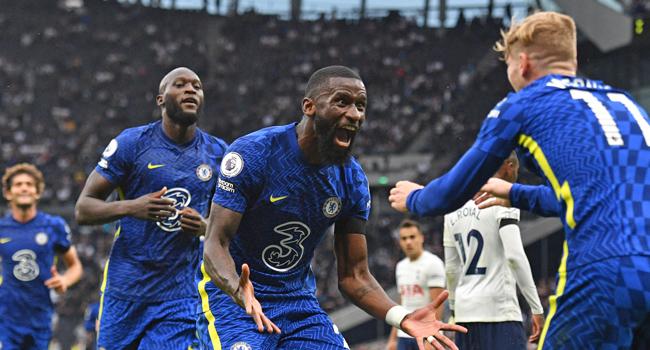 Chelsea Outclass Tottenham, Move Top Of League Table