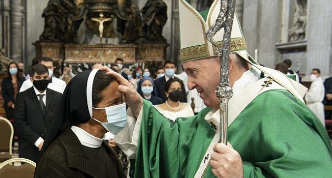 Pope Meets Colombian Nun Released By Mali Jihadists